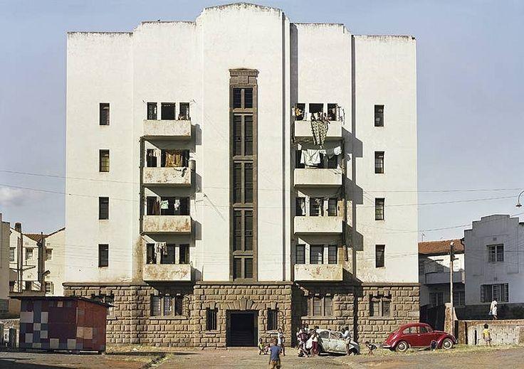 Nairobi, Kenya (apartment block) | ph. Adam Bartos, 1980.