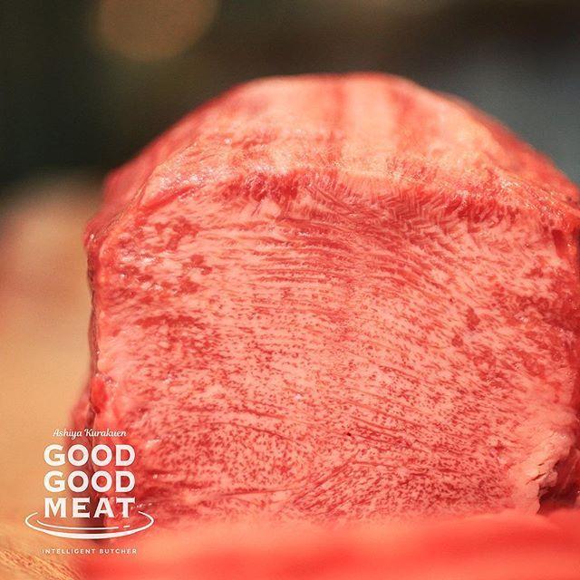#タン のおいしさは #断面 にあり。#goodgoodmeat . #みつば放牧牧草牛 の#牛タン は大胆にレアで食べるのがおすすめ。騙されたと思って、強火でさっと炙ってご賞味あれ🤤 . 今週は、#苦楽園 のお店で、#塊肉フェア 開催中です!みつば放牧牧草牛の#フィレ か、#サーロイン の精肉を合計500g以上お買い上げで、その他の精肉、惣菜、すべて10%OFFに😲 . . タンもセットで、 #勤労感謝の日 #パーティ の準備🎄! . . . ✂︎------------------------------ #肉#meatshop#meat#ローカーボ#糖質制限#ケトジェニック#男の料理#料理男子#dancyu#grassfedbeef#お肉最高#芦屋#lovehyogo#ヘルシー#ネットショッピング#ギフト#お歳暮#贈り物#お弁当