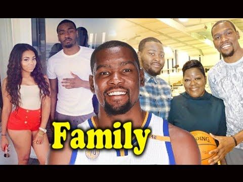 Kevin Durant Family Photos With Parents,Brother,Sister and Girlfriend 2017