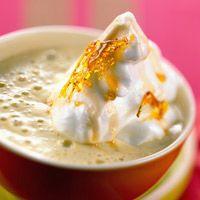 Découvrez la recette Iles flottantes à la crème café sur cuisineactuelle.fr.