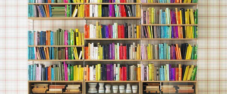 Donnez de la couleur à votre séjour avec des livres