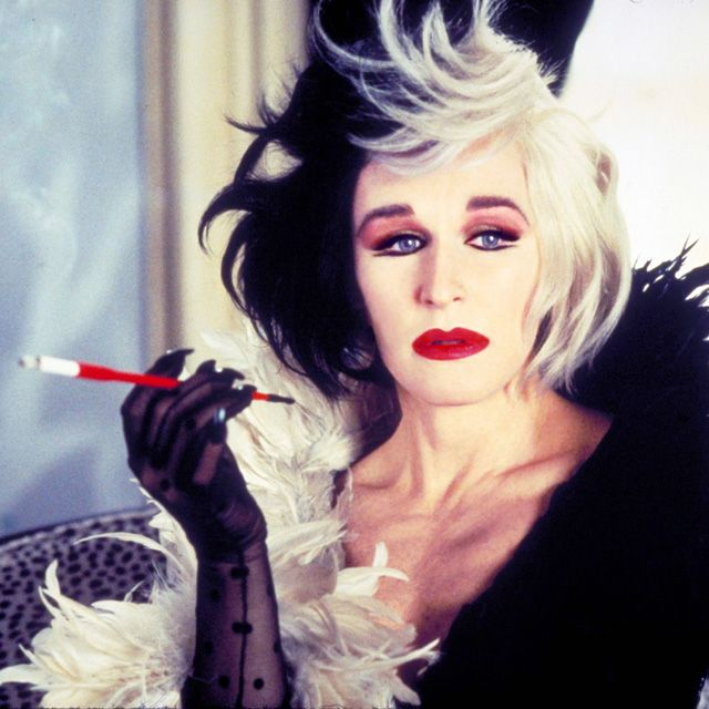 Cruella DeVille || 25 Halloween costume ideas: http://sonailicious.com/halloween-makeup-ideas-movie-characters/