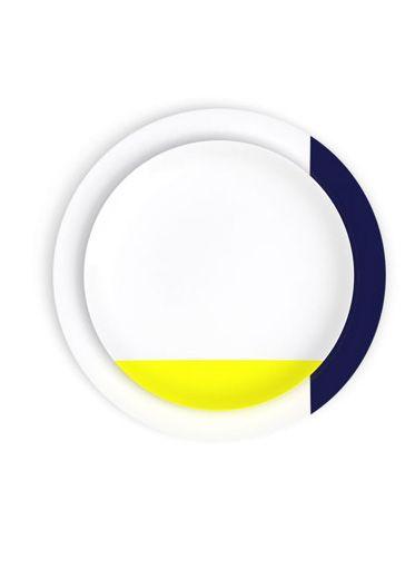 Les assiettes en porcelaine de Limoges de la collection Bath of Color sont un hommage au bain d'émail mais cette fois avec de la couleur.