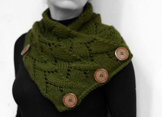 Neck warmer olive green by MmeDefargeYarnworks on Etsy.