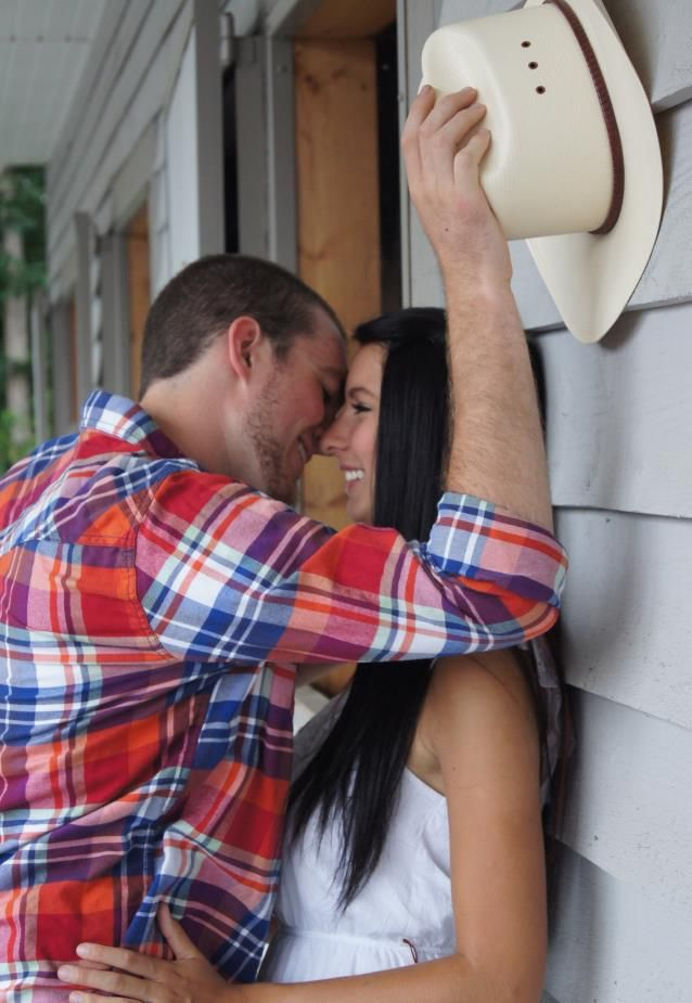 country couple (;  i want to take a pic like that .. that would be amazing