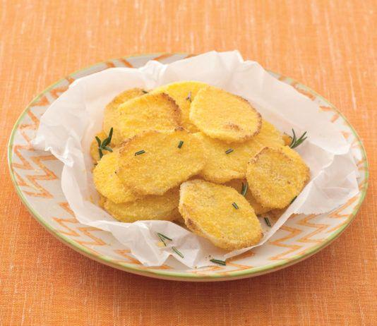 Chips leggere di patate al mais
