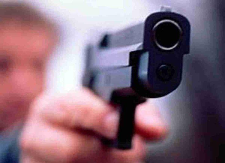 Опубликовано видео попытки ограбления ломбарда в Минске http://www.belnovosti.by/incidents/52907-opublikovano-video-popytki-ogrableniya-lombarda-v-minske-2.html