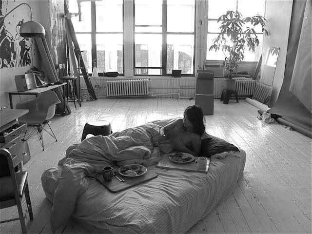 The perfect studio: Breakfast In Beds, Interiors Photography, Studios Living, Living Spaces, Loft Style, Studios Apartment, Lazy Sunday, Loft Spaces, Places