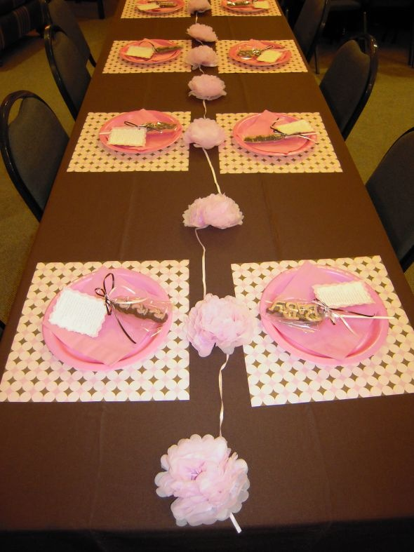 Chocolate Brown Tablecloths, Polka Dot Place Mats, Pink Plates, And A Cute