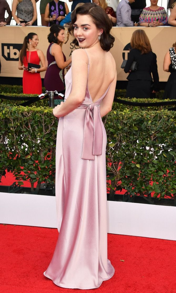 SAG Awards 2017: Best Red Carpet Dresses from Behind - Maisie Williams