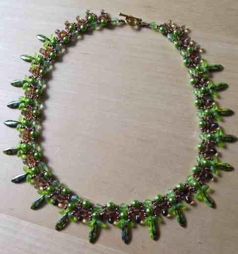 collier vert printemps