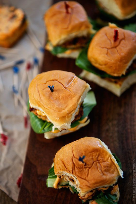 Looking for an amazing #LaborDay recipe for BBQ's? Try these Thai sliders.