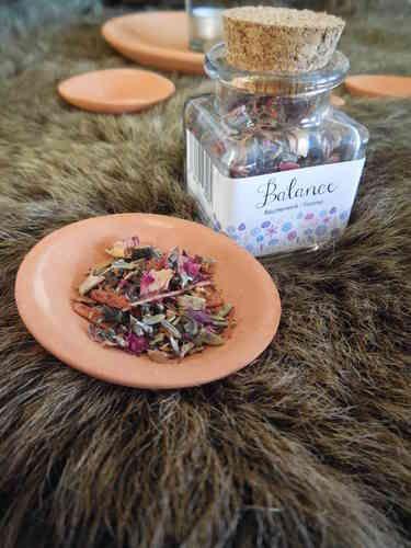 Balance wierook, lekker met rozenblaadjes en wierookharsen. - Secrets of Gaia