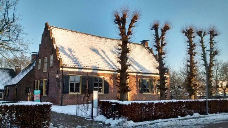 Het Trapjeshuis is een schilderachtige locatie. Als het heeft gesneeuwd, is het pand (anno 1750) met bijgebouwen extra pittoresk. Ligt