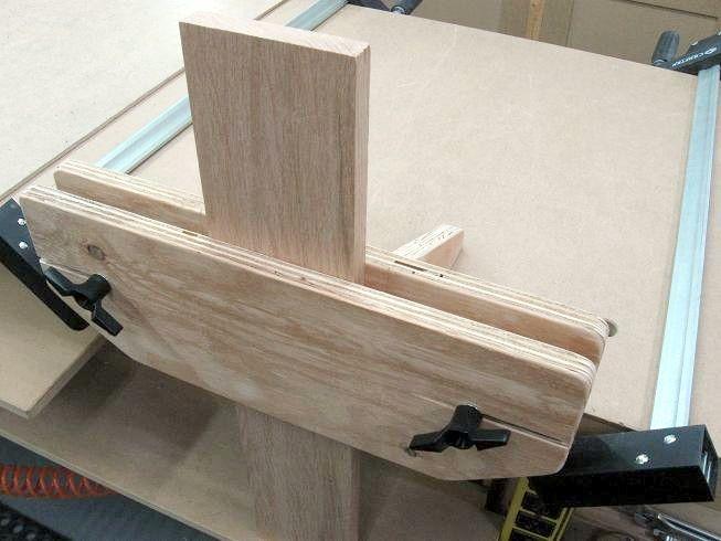 best 25 bench vise ideas on pinterest woodworking end vise woodworking bench vise and. Black Bedroom Furniture Sets. Home Design Ideas