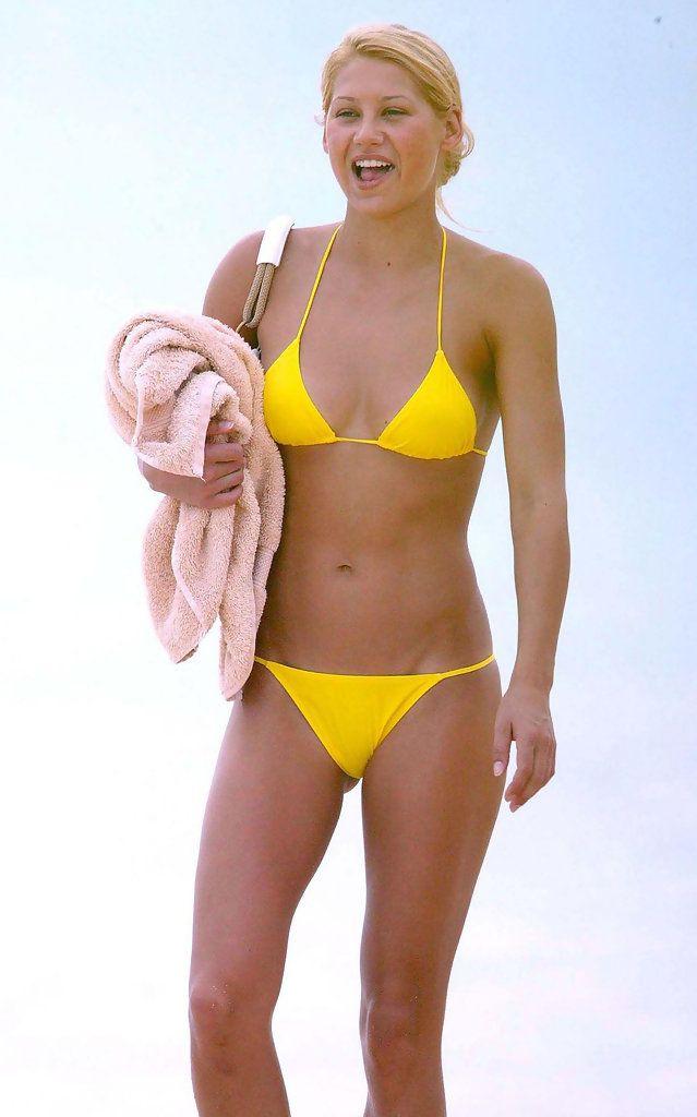 Anna Kournikova S Neon Yellow String Bikini Swimwear