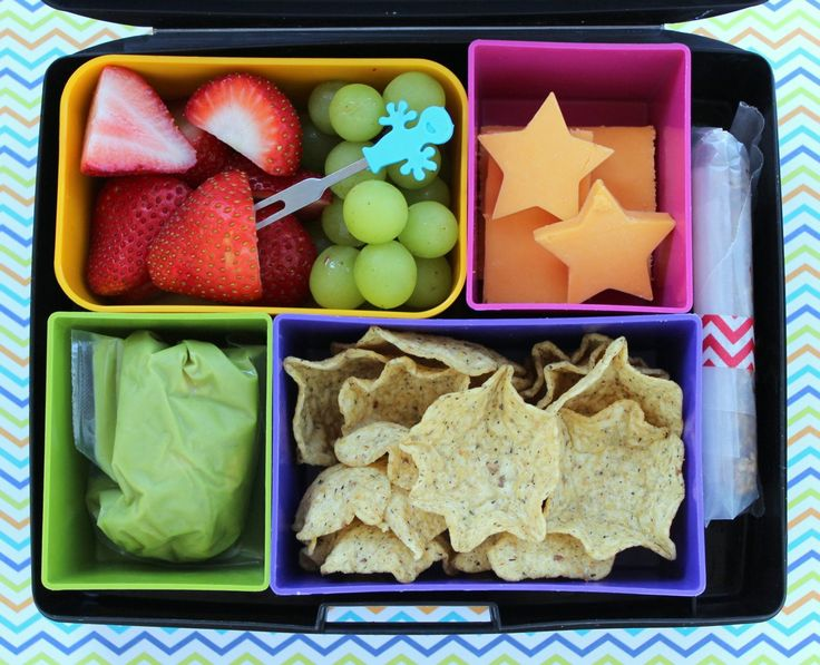 LUNCH IDEAS! When school starts parents face the epic challenge of deciding what to pack for kid lunches every day. Here are 30 ideas to get you going.