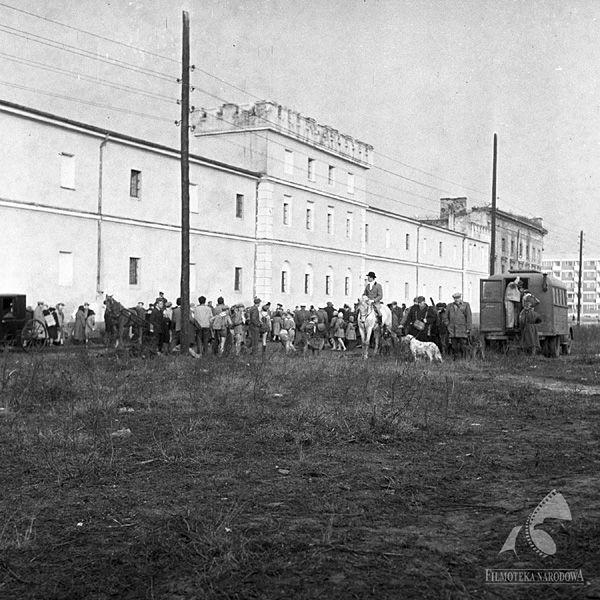 Warszawa - Wojskowe Więzienie Śledcze nr 1 (dawne Koszary Artylerii Koronnej, Koszary Wołyńskie), Zamenhofa 19 (1961)