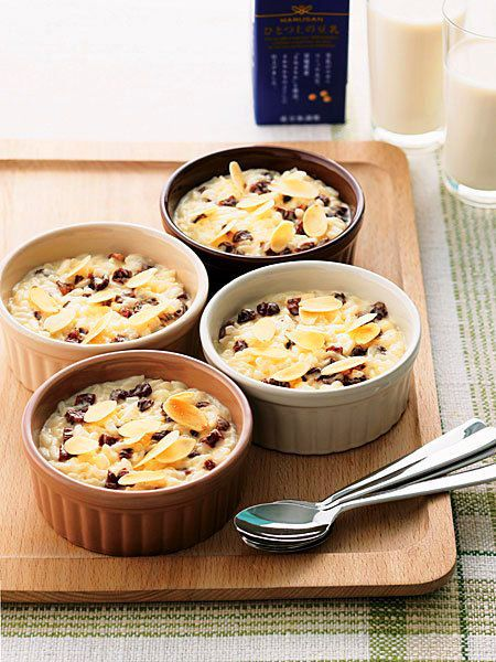 イギリス伝統の温かいデザートを、豆乳とごはんで手早く、おいしく!|『ELLE a table』はおしゃれで簡単なレシピが満載!
