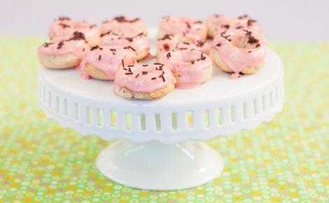 Epicure's Strawberry Buttermilk Doughnuts