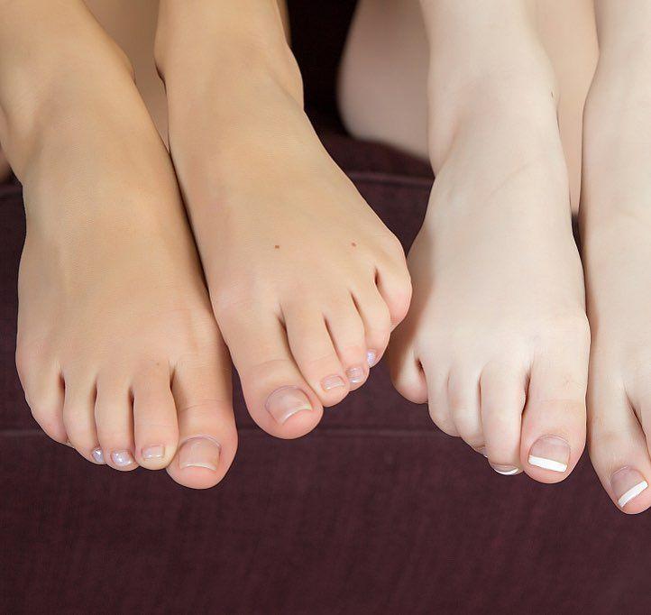 Petite lesbian feet, nude ebony amateur gifs