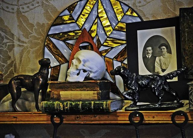 Gastown antiques store | (c) dm gillis