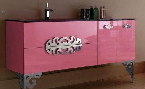 Розовый комод