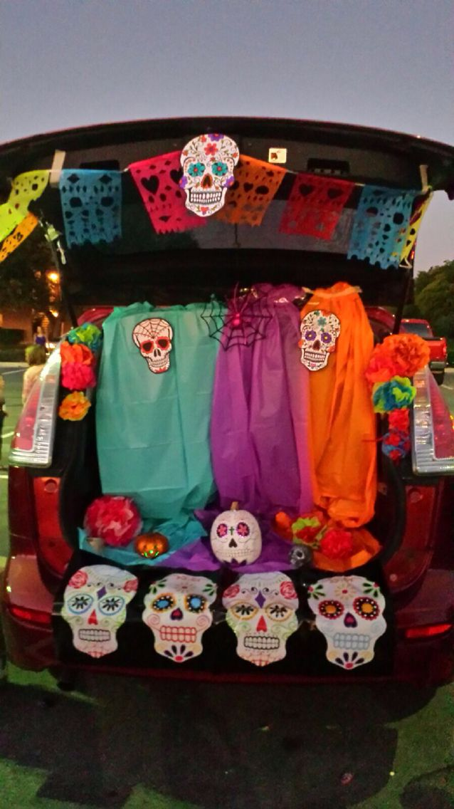 mexican sugar skull day of the dead