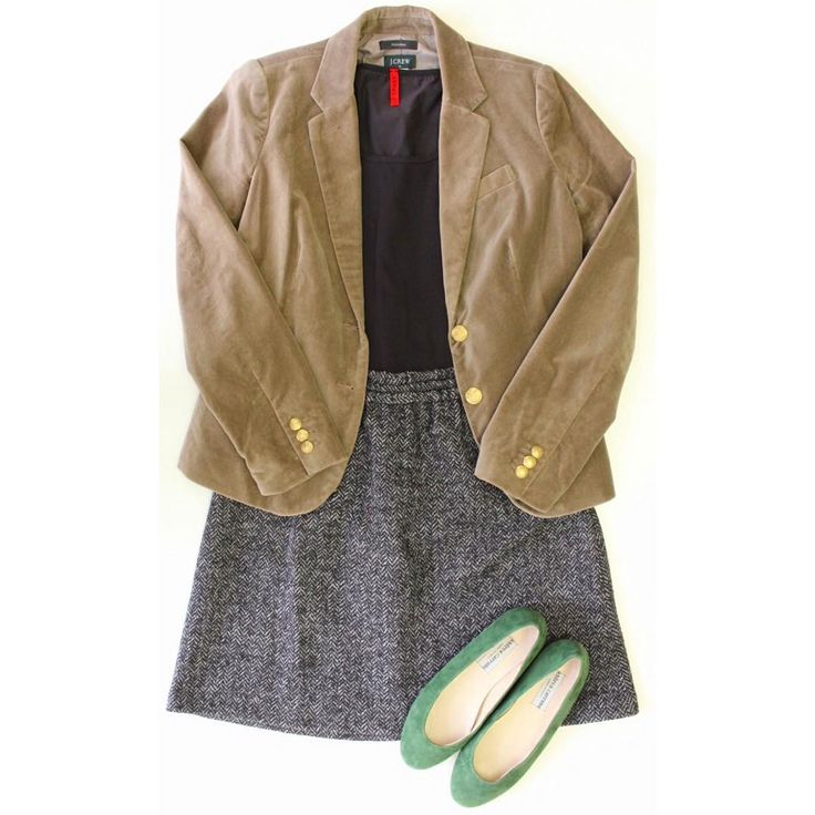 A Spring inspired #ootd! Blazer and skirt from #JCrew, #Spanx tank and flats by #AndreaCarrano. #outfit #spring #love #picoftheday #cute #style #trendy #skirt #blazer #fashion #designer #consignment #preloved #buy #sell #shop #instashop #ebay