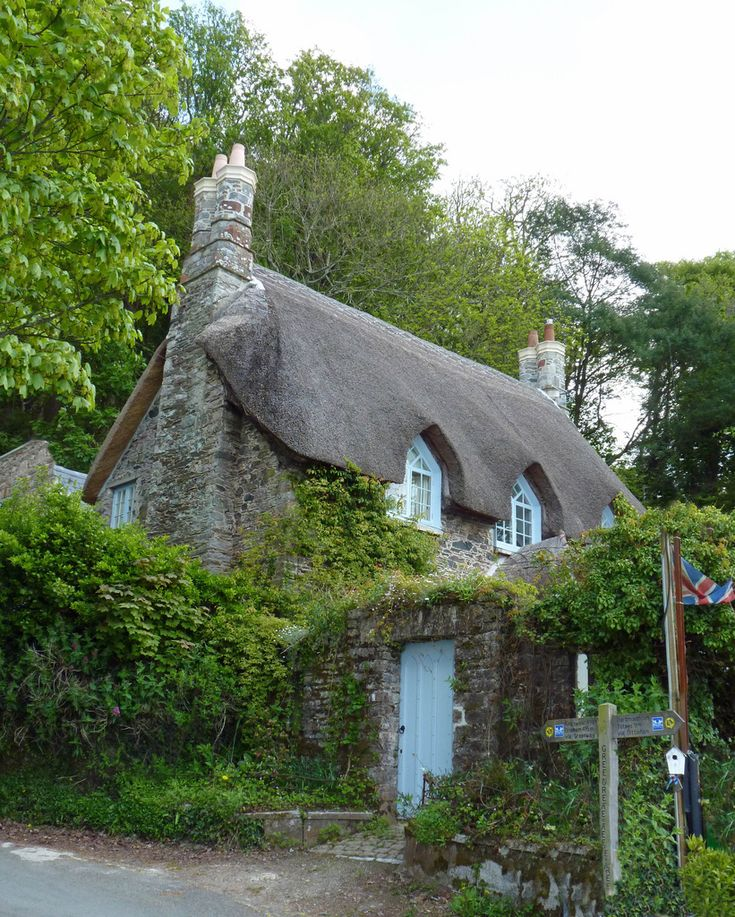 thatched cottage on 'greenway' quay