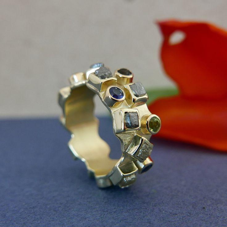 Alliance ring geel goud ruwe diamant en briljant geslepen edelstenen