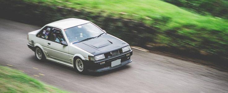 11.000 lire sterline pentru o Toyota AE86 cu motor V8. Merita sau nu?