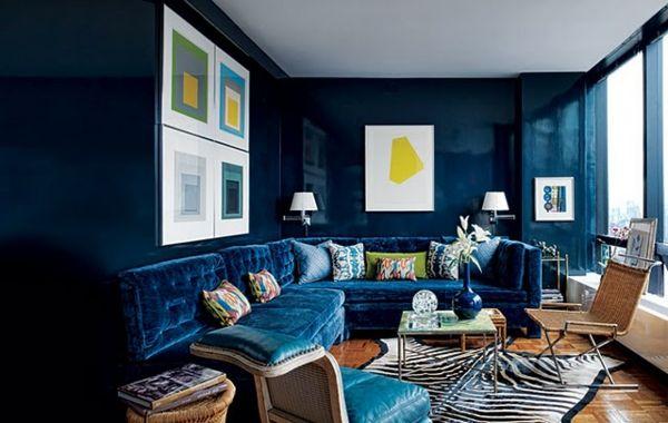blaues ecksofa aus samt - viele dekokissen