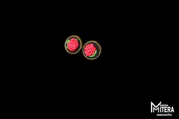 http://galerianieprzemyslowa.blogspot.com/ embroidery mini earring