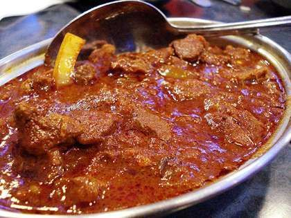 Goan Mutton Curry Recipe is made with fresh goat meat that consists the flavor of coconut milk, curd and rich spices. It taste good with Roti (Indian Bread)