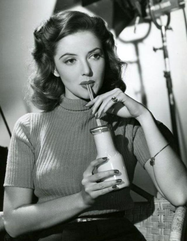 Martha Vickers | Silver screen actresses, Classic actresses, Hollywood