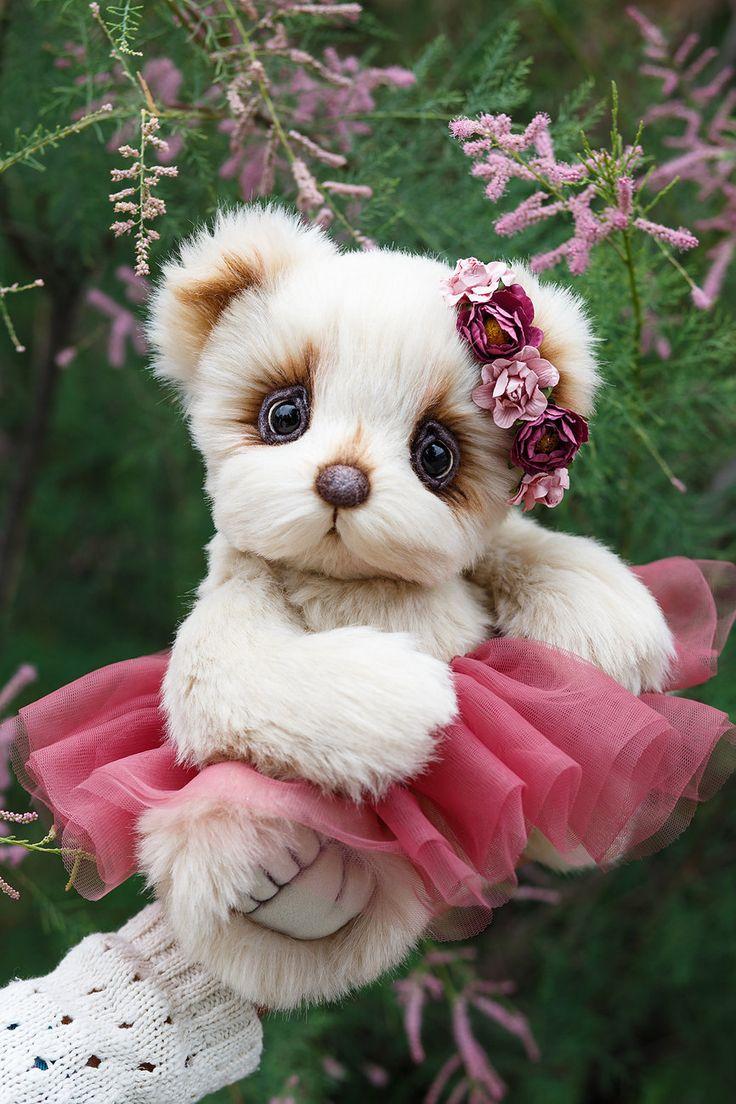 Artist collectible Teddy bear Mikaela (OOAK) by TEDDYROOM on Etsy