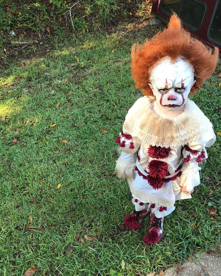 """35 mil Me gusta, 752 comentarios - Eagan Tilghman (@eag2n) en Instagram: """"Sorry to say, but I don't think I'm going to sell the pennywise costume. I couldn't part with it.…"""""""