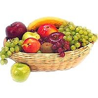 """Fresh Fruit Basket 2 Kg - Send this basket of Fresh fruits consisting of apples,oranges,grapes etc to your loved ones and make them feel in a fruitful way """"""""that you care""""""""."""