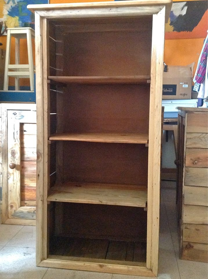 Librer a muebles hechos con palets pinterest pal s for Muebles hechos con paletas de madera
