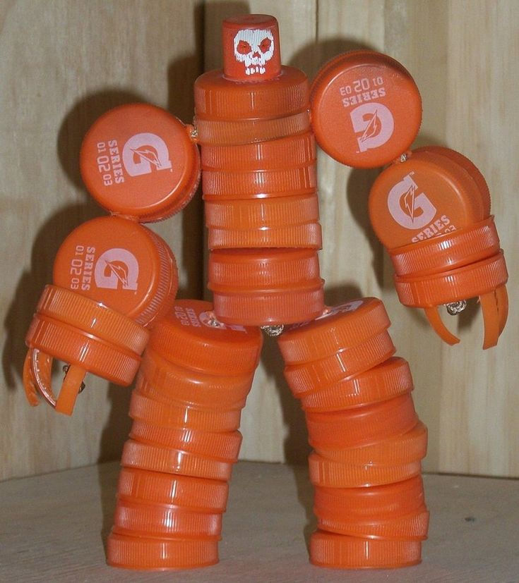 bottle cap robot 8 by rupertvalero