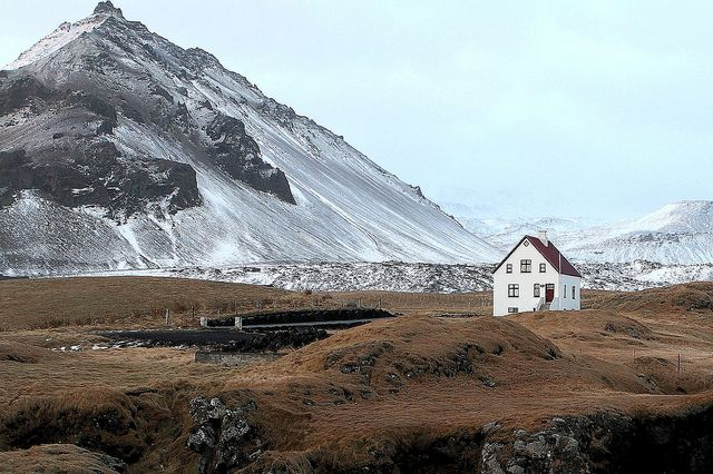 Nordic Adventures: Dreams Houses, Iceland, Au Natural, Favorite Places, Tiny Houses, Beautiful Places, Faraway, Mountain Home, Mountain Houses