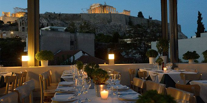 Φαγητό με θέα Ακρόπολη: 6 οικονομικές διευθύνσεις