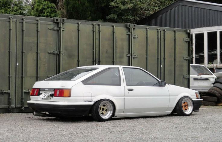 """New Zealand's Team SHHH's drift clubs """"missile"""" AE86 Levin"""