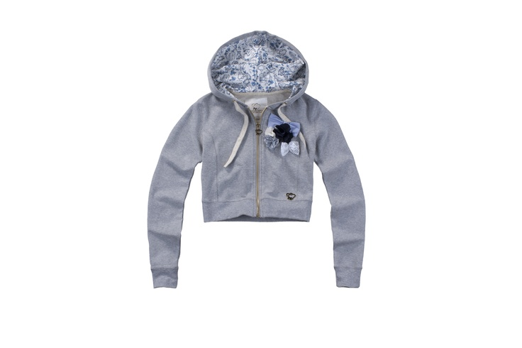 Maison Espin sweatshirts ss13#maisonespin #sweatshirts#springsummercollection13 #womancollection #lovely #MadewithLove #romanticstyle #milano