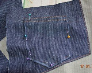 roetsch Muenztasche-Jeanshose-feststecken