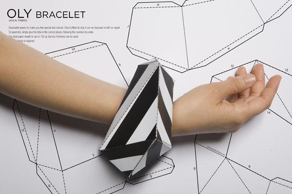 Make your own disposable bracelet for free http://www.goncalocampos.com/