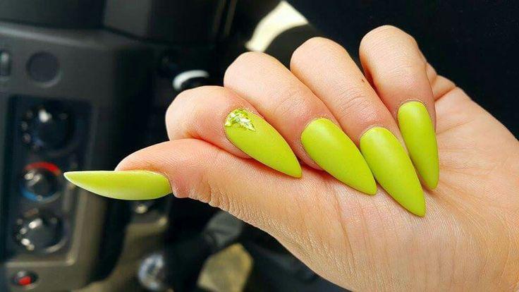 Długie, szpice i do tego neony #nails #neon