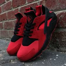 huaraches black and red