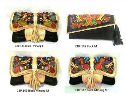 wanna this clutch 100% leather visit fb pascal elroy or send email to karuniasantoso@gmail.com